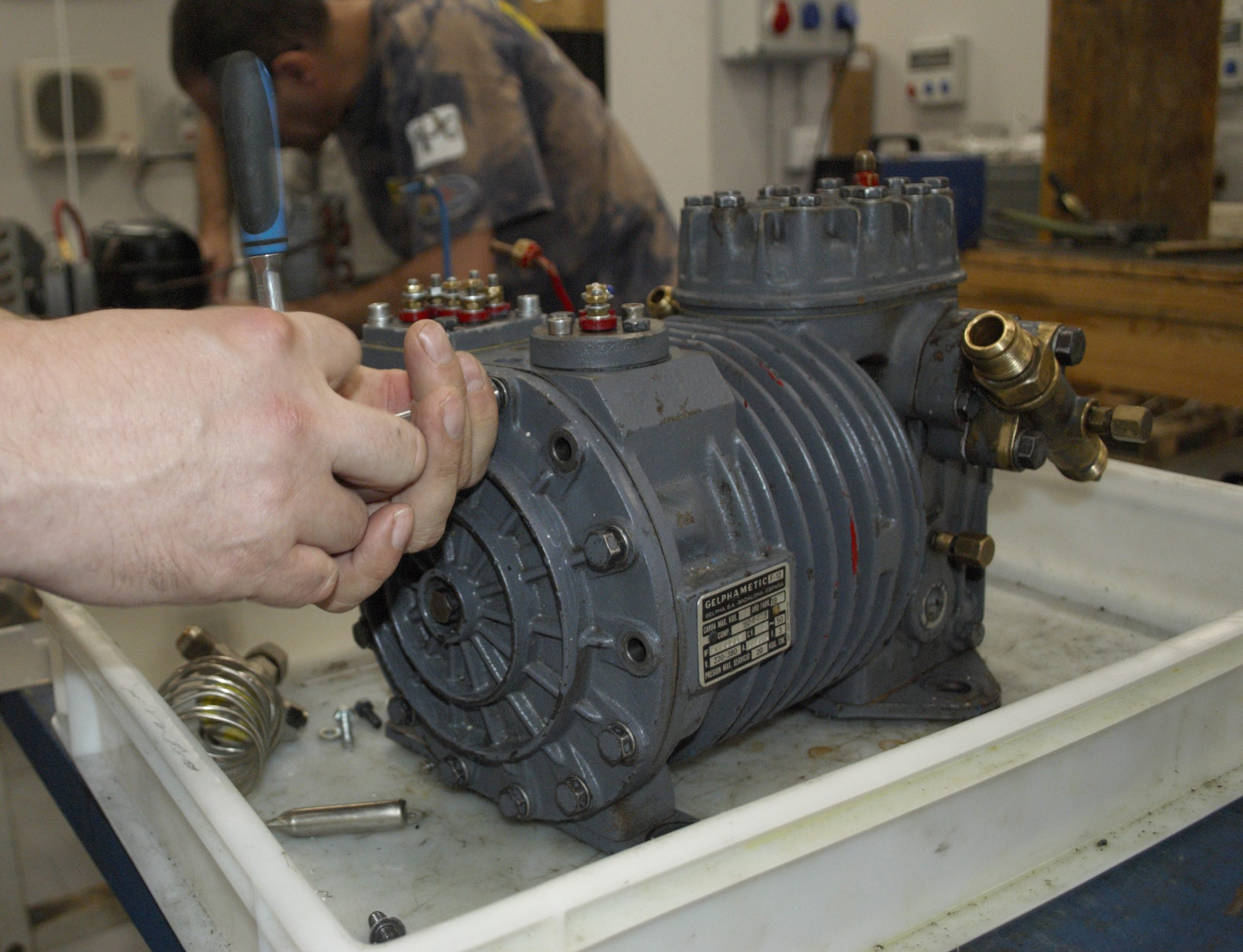 Instalación y mantenimiento de compresores